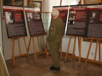 Dół - Pamięci Żołnierzy Wyklętych1- fot z 2016