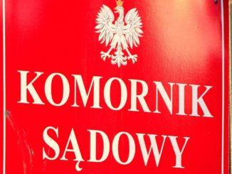 Fot. Stanislaw Kowalczuk/East News.   Warszawa 21.04.2015.  n/z: Tabliczka informacyjna Komornik Sadowy