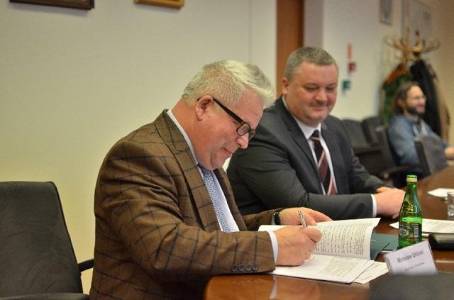 Góra - podpisanie umowy OZE-3