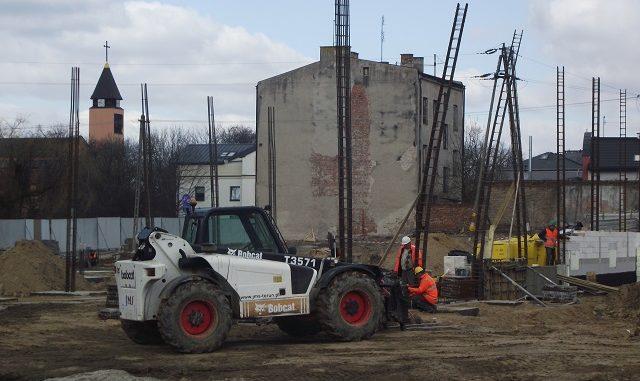 8c842aa5fb Coraz szybszego tempa nabierają prace związane z budową pierwszego w  Sochaczewie marketu sieci Lidl. Firma Budrem z Ostrowa Wielkopolskiego