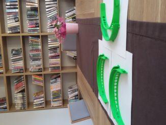 Biblioteka drukuje przyłbice (3)