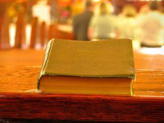book-1150707_960_720